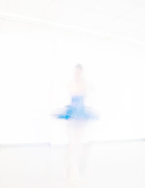 Der blaue Tanz by Hannah Gritsch Photo & Design